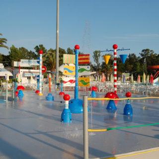 Lagune ricreative, Spray Park, giochi d'acqua, giochi spruzzanti, fungo con getti d'acqua, cannoni spara-acqua per piscina, bersagli mobili basculanti, bolla d'acqua, secchi basculanti con cascata d'acqua