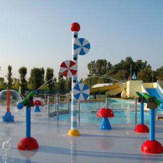 Lagune ricreative, Spray Park, giochi d'acqua, giochi spruzzanti, fungo con getti d'acqua, cannoni spara-acqua per piscina, bersagli mobili basculanti, bolla d'acqua con cascata a fungo