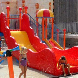 Lagune ricreative, Spray Park, giochi d'acqua, giochi spruzzanti, scivolo gigante con torre di risalita, fontana spruzzante, bolla d'acqua